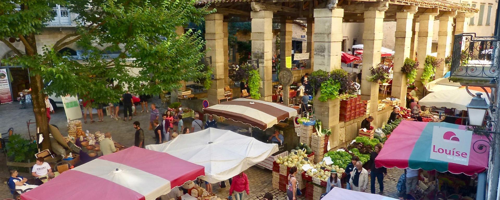 Le marché de Saint-Antonin Noble Val