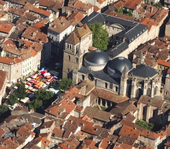 Marché de Cahors place de la cathédrale