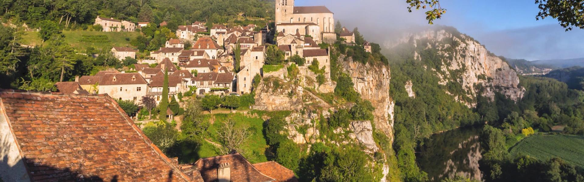 Saint-Cirq-Lapopie au petit matin © Go-Production.com