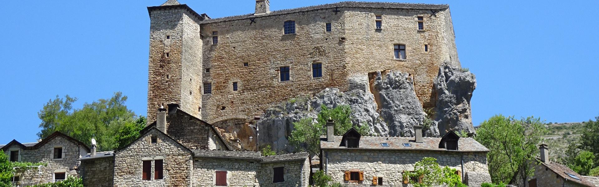 Tout là-haut dans le ciel, le Château de Prades