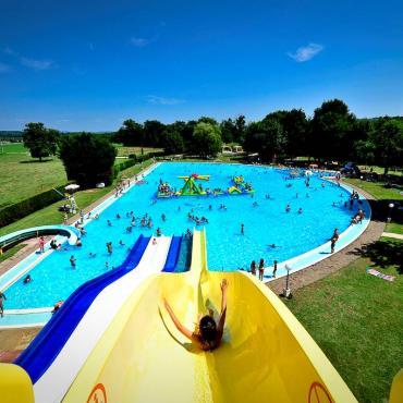 Bases de loisirs, parcs aquatiques et piscines