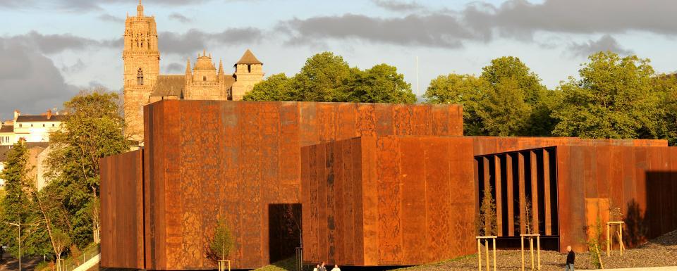 Le musée Soulages et la cathédrale