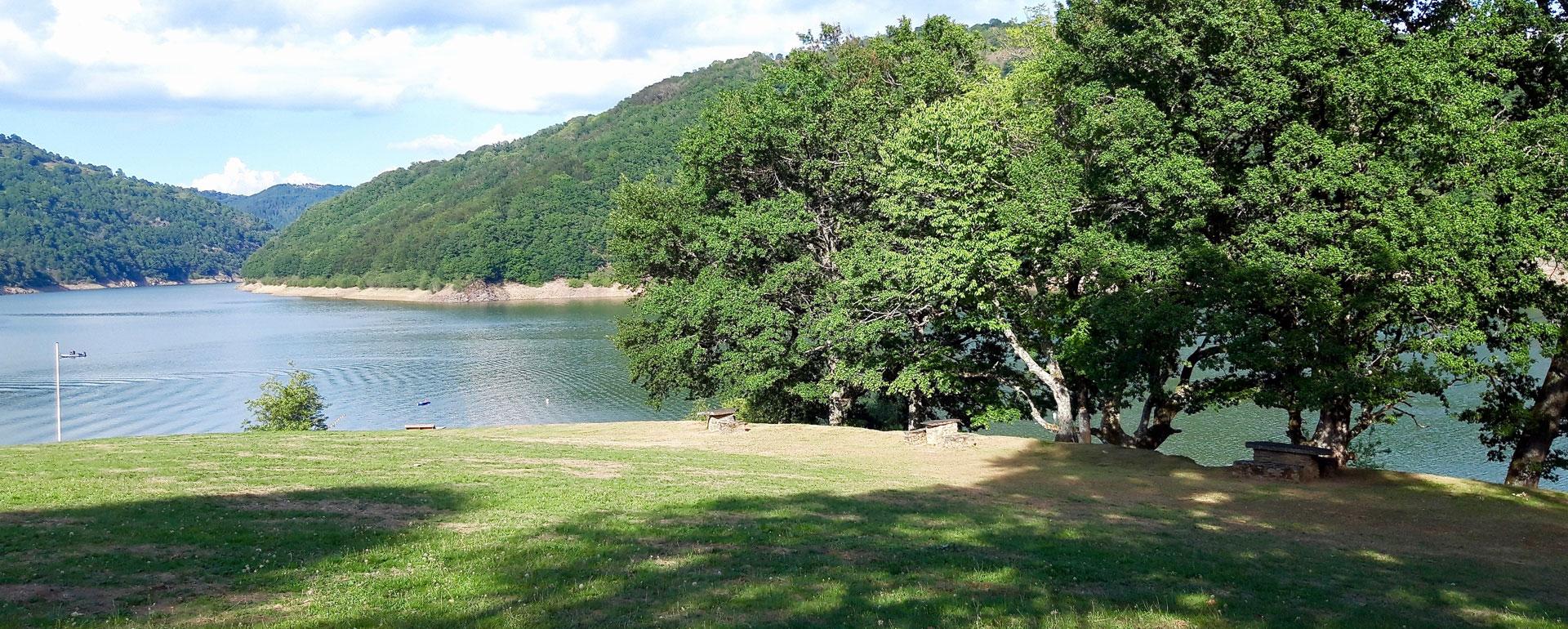 Lac de Sarrans - Presqu'île de Laussac - Aveyron
