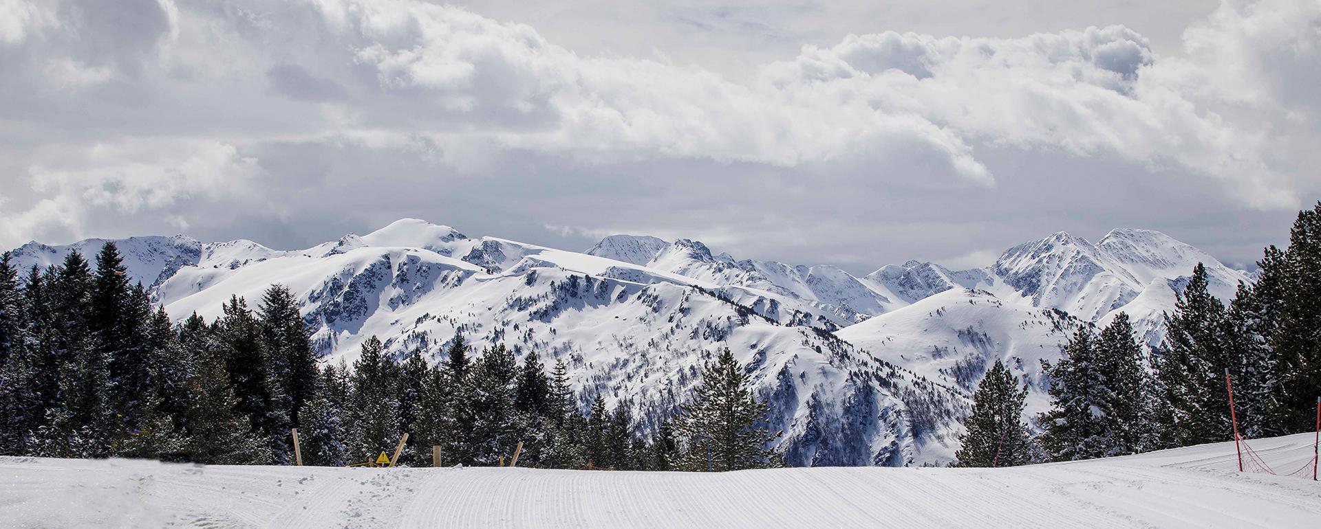 Vue sur les Pyrénées depuis Beille