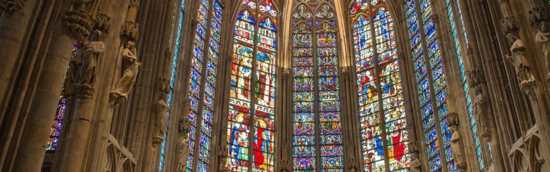 Les vitraux de la basilique Saint-Nazaire
